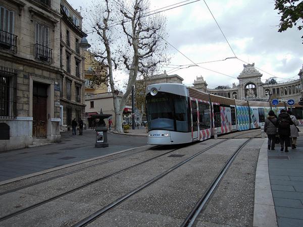 121225_マルセイユのトラム.jpg